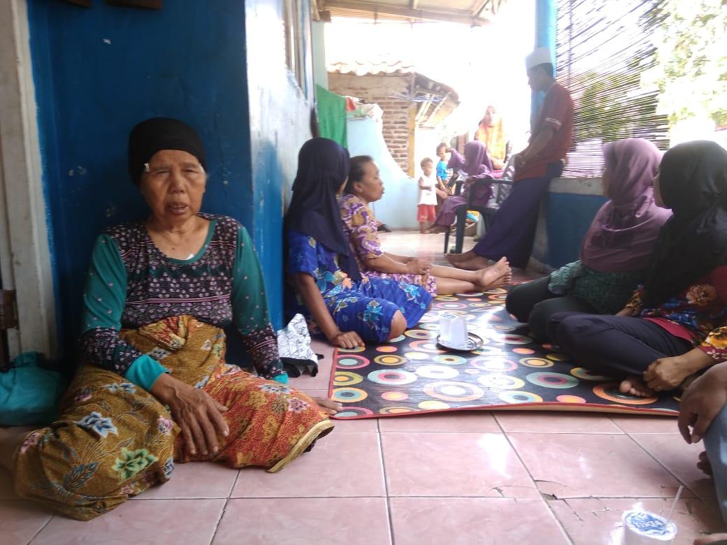 Suasana kediaman nenek nani