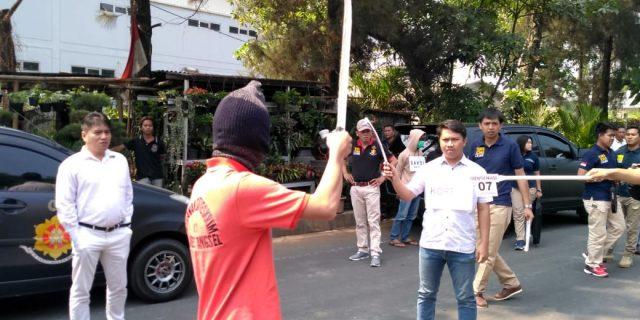 Polres Tangsel Rekontruksi Pembunuhan Berencana Dijalan Raya Puspitek