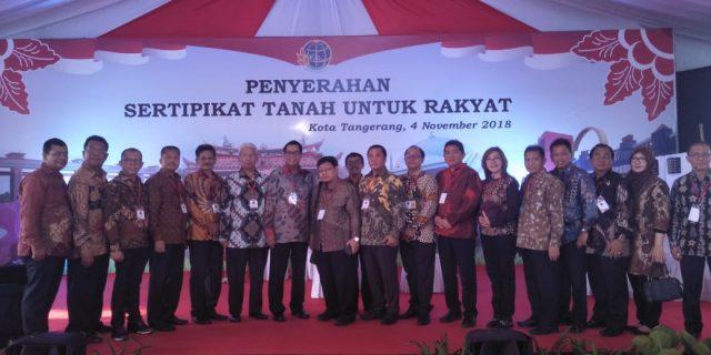 Presiden Jokowi Bagikan 6000 Sertifikat PTSL Pada Warga Kota Tangerang