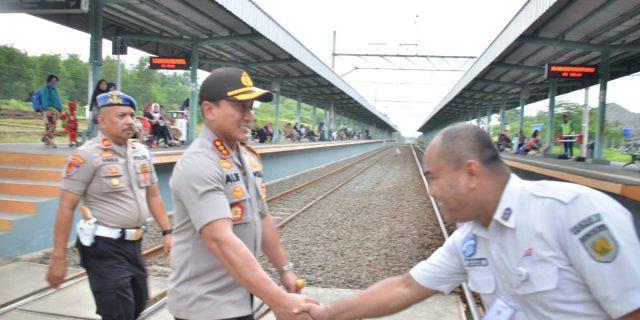 Persiapan Natal Dan Tahun Baru Polresta Tangerang Tinjau Stasiun Kereta Api Tigaraksa