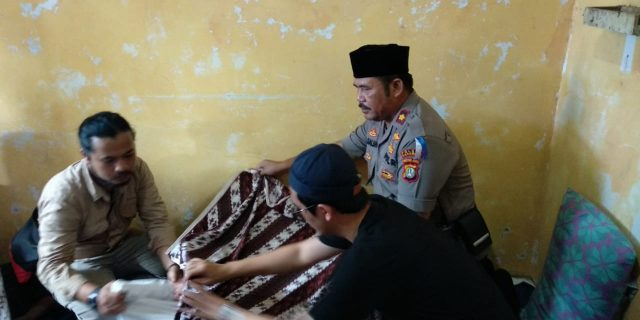Kapolsek Karawaci Ta'ziah Kerumah Korban Tsunami Selat Sunda