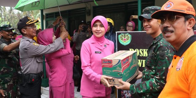 Bhayangkari Banten Laksanakan Baksos Di Posko Pengungsian Libadak