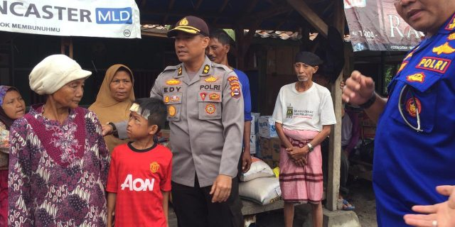 Ditpolairud Polda Banten Berikan Bantuan Korban Tsunami Dipulau Sangiang