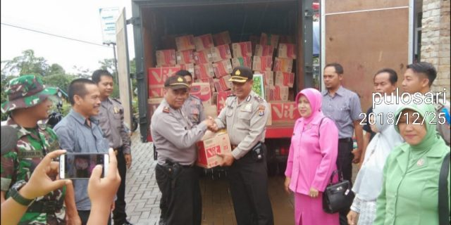 Kapolda Banten Distribusikan Bantuan Kemanusian Untuk Korban Tsunami Selat Sunda
