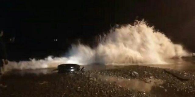 Gelombang Besar Kembali Di Perairan Teluk Semaka