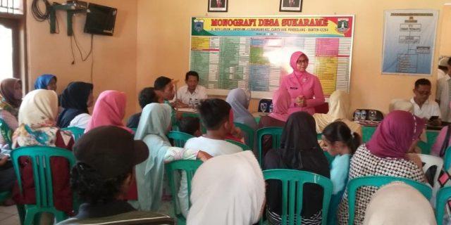 Ketua Bhayangkari Banten Berikan Bantuan Peralatan Sekolah kepada Korban Tsunami