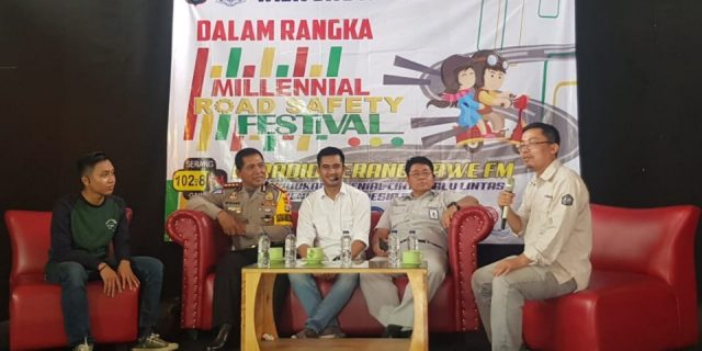 Melalui Talk Show Direktorat Lalu Lintas Polda Banten Sosialisasi Program Millenial Road Safety
