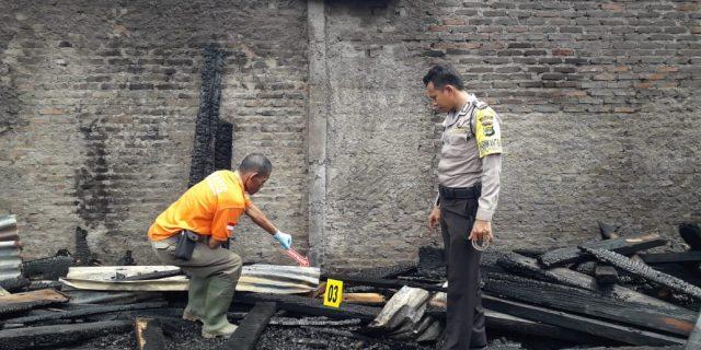 Polres Tanggamus Terjunkan Tim Inafis Dalam Kebakaran Panglong Dan Gudang Barang Bekas