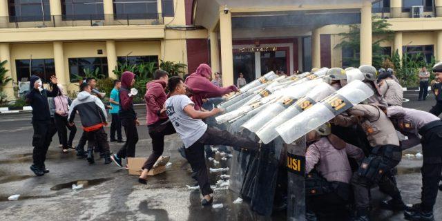 Jelang Pemilu 2019, Ditsamapta Polda Banten Asah Kemampuan Pengendalian Massa