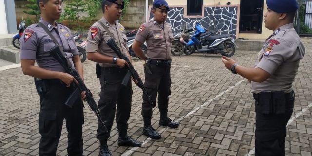 Menjelang Pesta Demokrasi, Brimobda Banten Gencar Laksanakan Penjagaan Kantor KPU