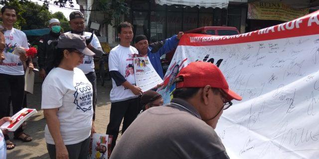 Sosialisasi Dilakukan Relawan Jokowi Dipasar Tradisional