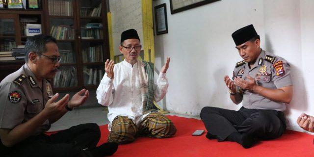 Kabid Humas Polda Banten Sambangi Pondok Pesantren Daar Istiqomah
