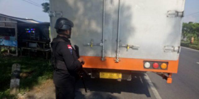 Sat Brimobda Banten Perketat Kawal Pengiriman Surat Suara