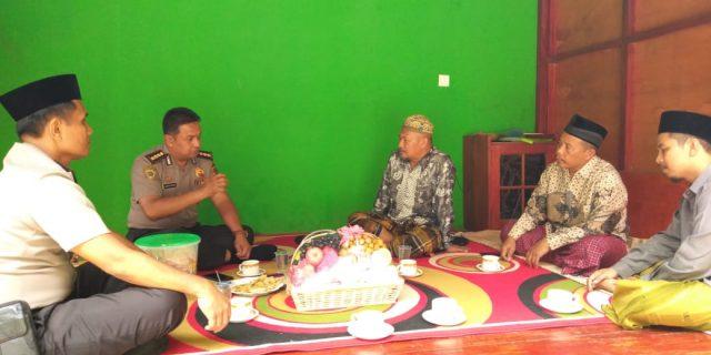 Memelihara silaturahmi, Karo SDM Polda Banten Sambangi Kediaman KH. Fauzi