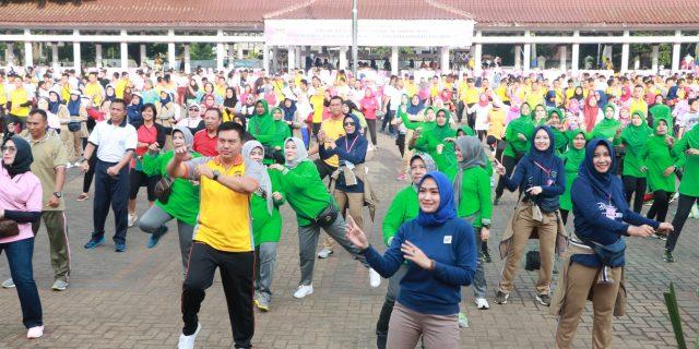 Hut YKB Ke-39 Polda Banten Ajak Masyarakat Ikuti Olahraga Bersama