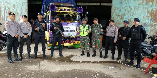 TNI dan POLRI Perketat Pengawalan Logisitik Ke KPU Kabupaten Serang
