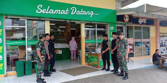Sinergis TNI dan Polri Amankan Pusat Perbelanjaan, Jamin Keamanan Masyarakat