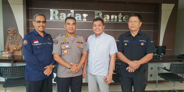 Kabidhumas Polda Banten Silaturahmi Dengan Pimpinan Radar Banten