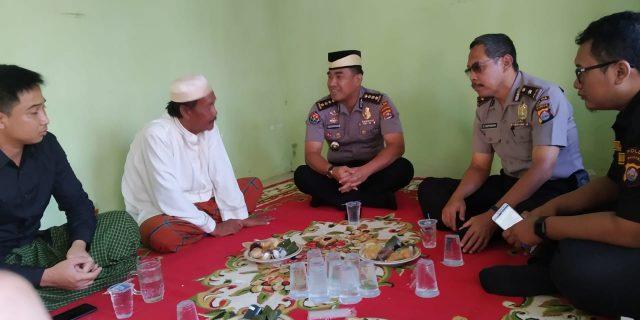 Kabidhumas Polda Banten Takziah Ibunda Anggota Bidhumas Polda Banten