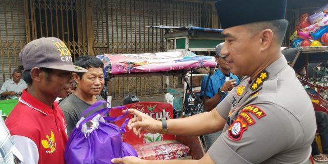 Ucapan Terimakasih Tukang Becak kepada Tim Jum'at Barokah Polda Banten