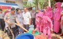 Polda Banten Peduli : Kirim 15 Tangki Air Bersih Untuk Warga Pandeglang