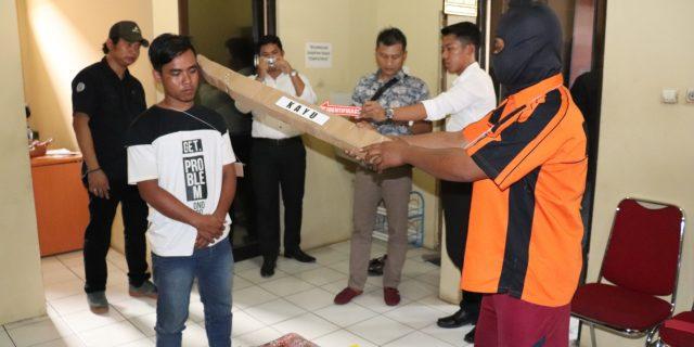 Rekonstruksi Aksi Pembunuhan Satu Keluarga, 28 Reka Adegan Diperagakan