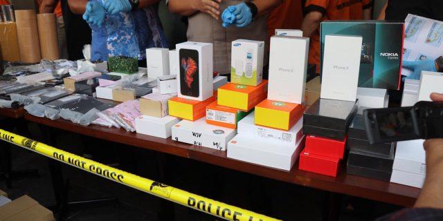 Tempat Perakitan Handphone Ilegal Ditangerang Digrebek Polisi
