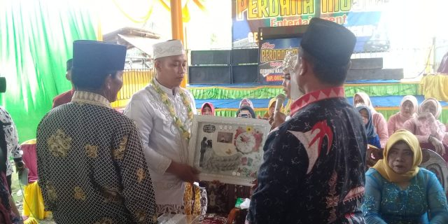 Potret Resepsi Pernikahan Deny zulkarnain Dengan Cindy Safitri Putri