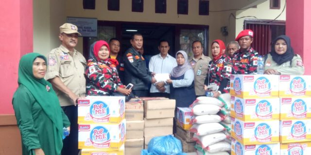 Markas Cabang LMP Kabupaten Padang Pariaman Berikan Bantuan Kepada Masyarakat Kabupaten Solok Selatan Yang Terkena Banjir Bandang