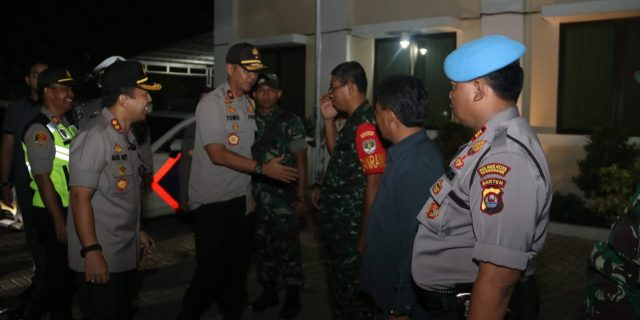 Pastikan Nataru Aman, Wakapolda Banten Pantau Perayaan Malam Misa Natal