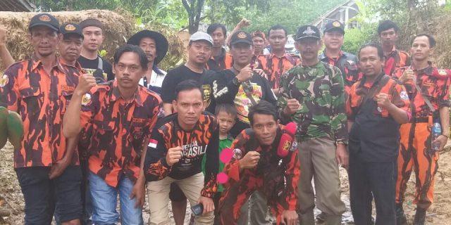 Pemuda Pancasila Ranting Desa Pasir Gadung Salurkan Bantuan Banjir Bandang Lebak