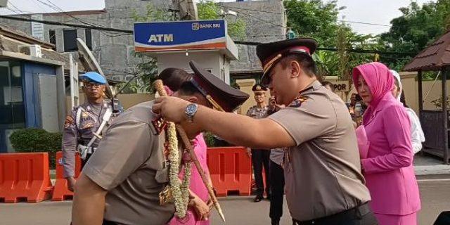 Pengalungan Bunga dan Tarian Tradisi Banten, sambut kedatangan Kapolda Banten yang baru