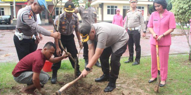 Antisipasi Bencana Alam, Polres Lebak Gelar Kegiatan Penanaman Pohon