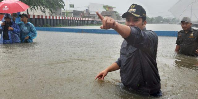 Tangani Banjir Periuk, Kota Tangerang Dirikan Dapur Umum dan Posko Kesehatan