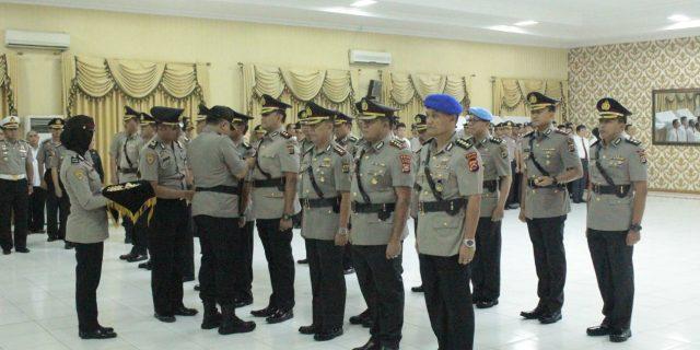 Kapolda Banten Lantik 8 Pejabat Utama dan Kapolres Serang