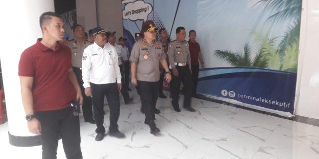 Kapolda Banten Kunjungi Pelabuhan ASDP Merak, Polri lakukan Kerja Bakti Cegah Covid-19