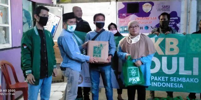 Anggota Dewan PKB Kota Tangerang Bantu Sembako Untuk Wartawan