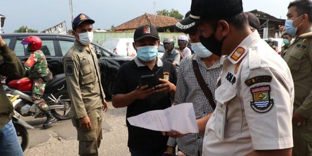 150 Personil Gabungan Satpol PP, TNI-POLRI, Tertibkan Reklame dan Spanduk Tak Berizin