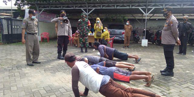 Forkompincam Sindang jaya Tindak 58 Pelanggar Prokes Dalam Lanjutan Operasi Yustisi