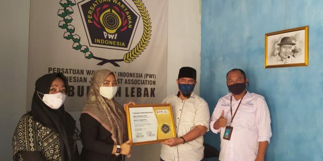 Nensy Anggareni Raih Anugerah HPN Award 2021
