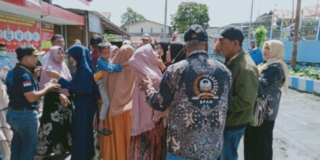Terdakwa Perusak Plang PLN Mujiati Dan Kawan-kawan Bebas Murni