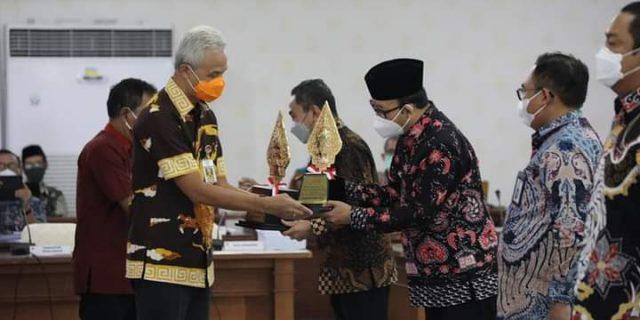 Pemkab Banyumas Raih Penghargaan Trofi Pangripta Abipraya