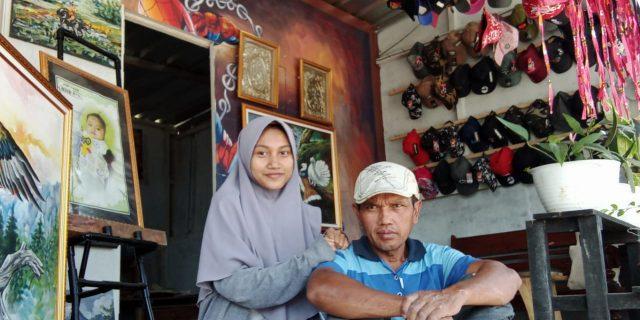 Yuni Mahasiswi UPI Lebih Mengikuti Jejak Sang Ayah Menjadi Pelukis
