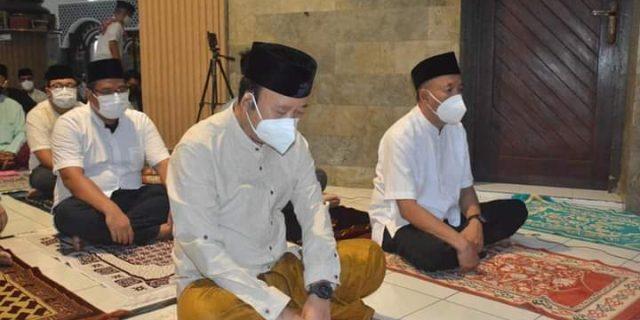 Bupati Banyumas Laksanakan Shalat Eid Dimasjid Agung Baitussalam