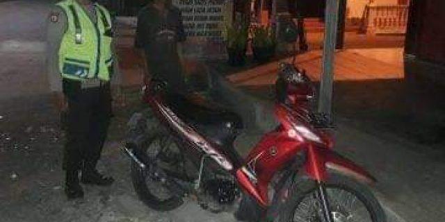 Mencurigakan, Polres Purbalingga Amankan Satu Unit Sepeda Motor di Trotoar depan Kantor BRI