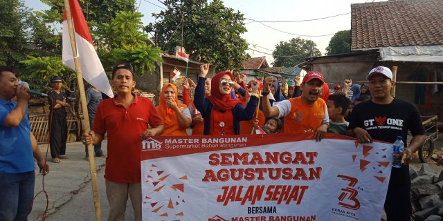 "Sambut HUT RI Ke-73 GT-one Gelar ""Jalan Sehat"" Bersama Warga Kampung Teureup"