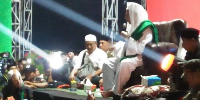 Habib Luthfi Gelar Do'a Bersama Dengan Masyarakat Cirarab