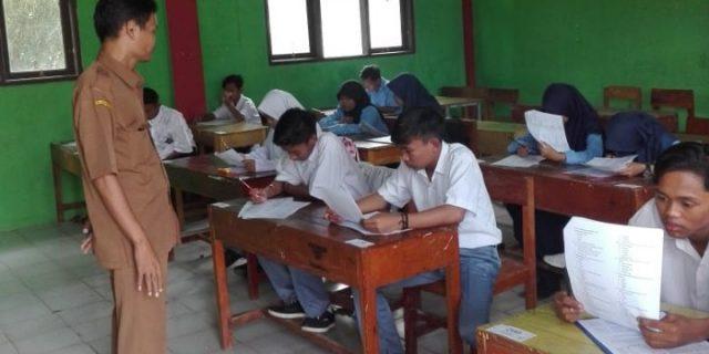 Penilaian Akhir Semester SMP dan SMK dilakukan Bersamaan