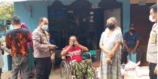 Polres Metro Tangerang Kota dengan Buddha Tzu Chi Indonesia Giat Bakti Sosial