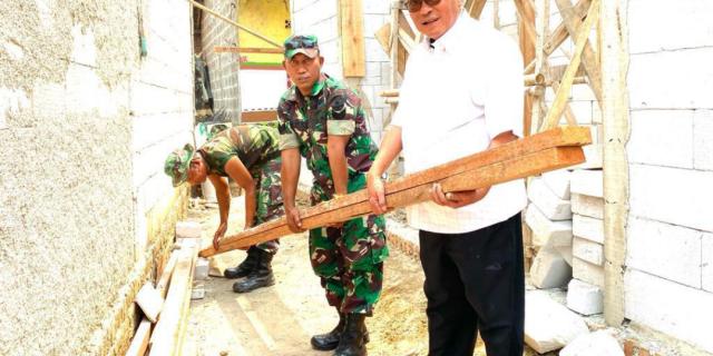 Pembangunan Rumah Layak Huni Keluarga Soleh Sudah 50%